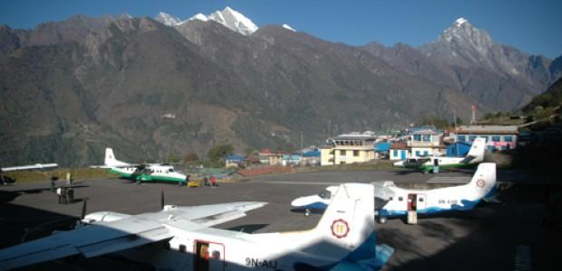 Everest helicopter trekking