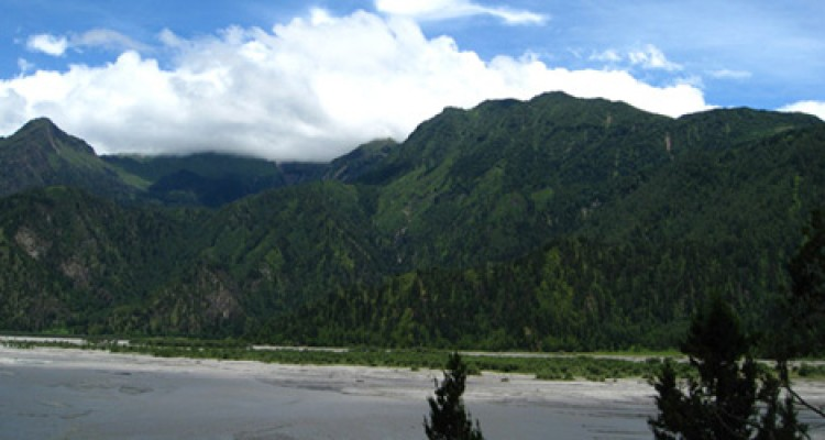 Green hill and Kaligandaki River in Mustang