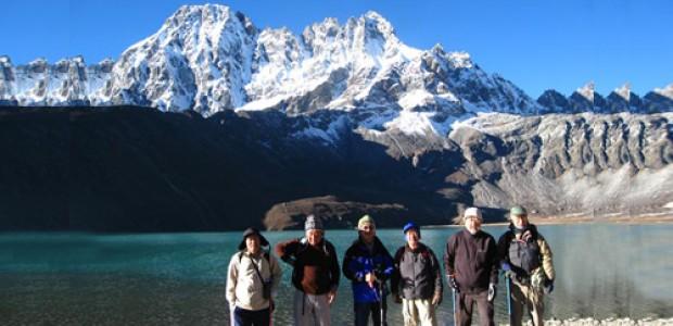 Everest Gokyo Renjola pass Thame trekking