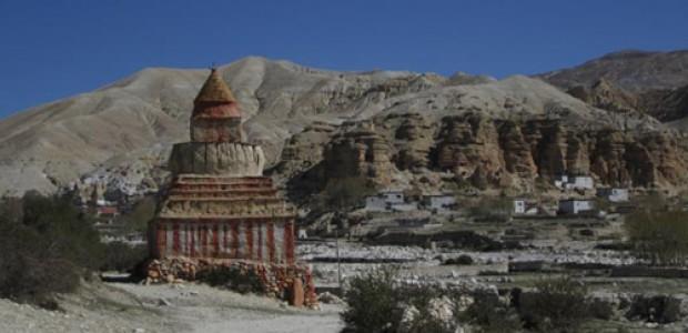 Damodar Kunda trekking picture