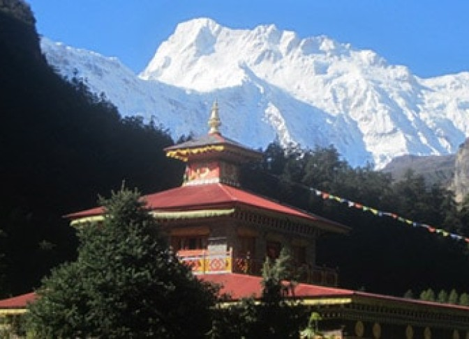Lhi-village-Gumba-Manaslu-trekking