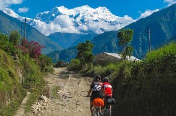 Annapurna circuit trek 10 days-drive Chame