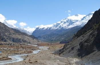 Pisang to Manang walking- Annapurna circuit