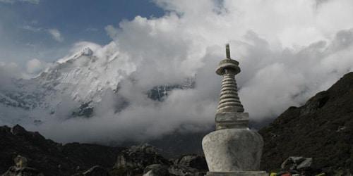 Buddhist Stupa and Langtnag mountain range including Langtang Lirung(7246m)