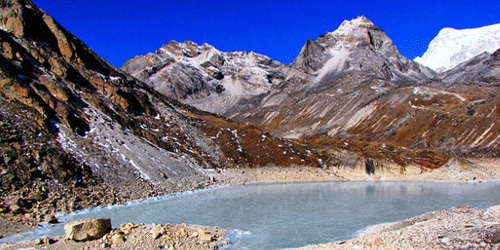 Fifth Gokyo Lake, Mt cho-oyu and small peak