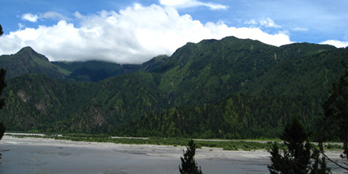 Green Hill and Kaligandaki sandbar in Mustang