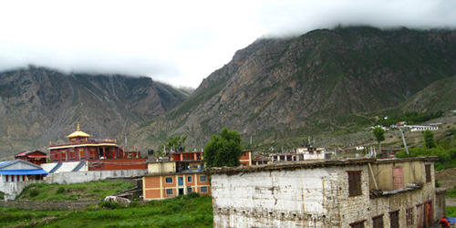 Muktinath (3800m), Monastery, local houses and Guest houses