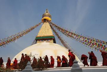 Nepal Tour- Boudhanath Stupa:The largest stupa in Nepal and the holiest Tibetan Buddhist temple outside Tibet