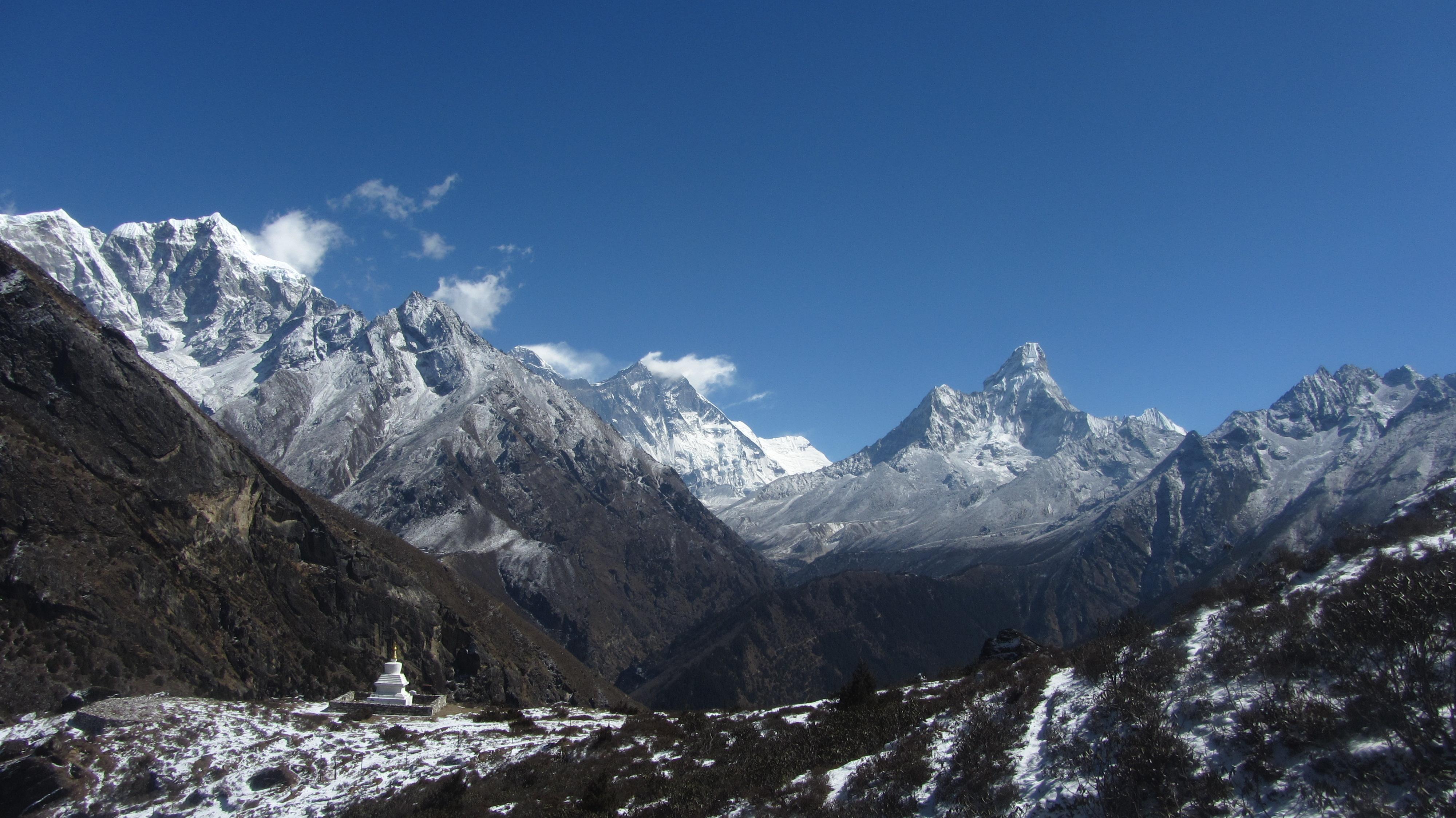 Mt. Amadablam -6812 m