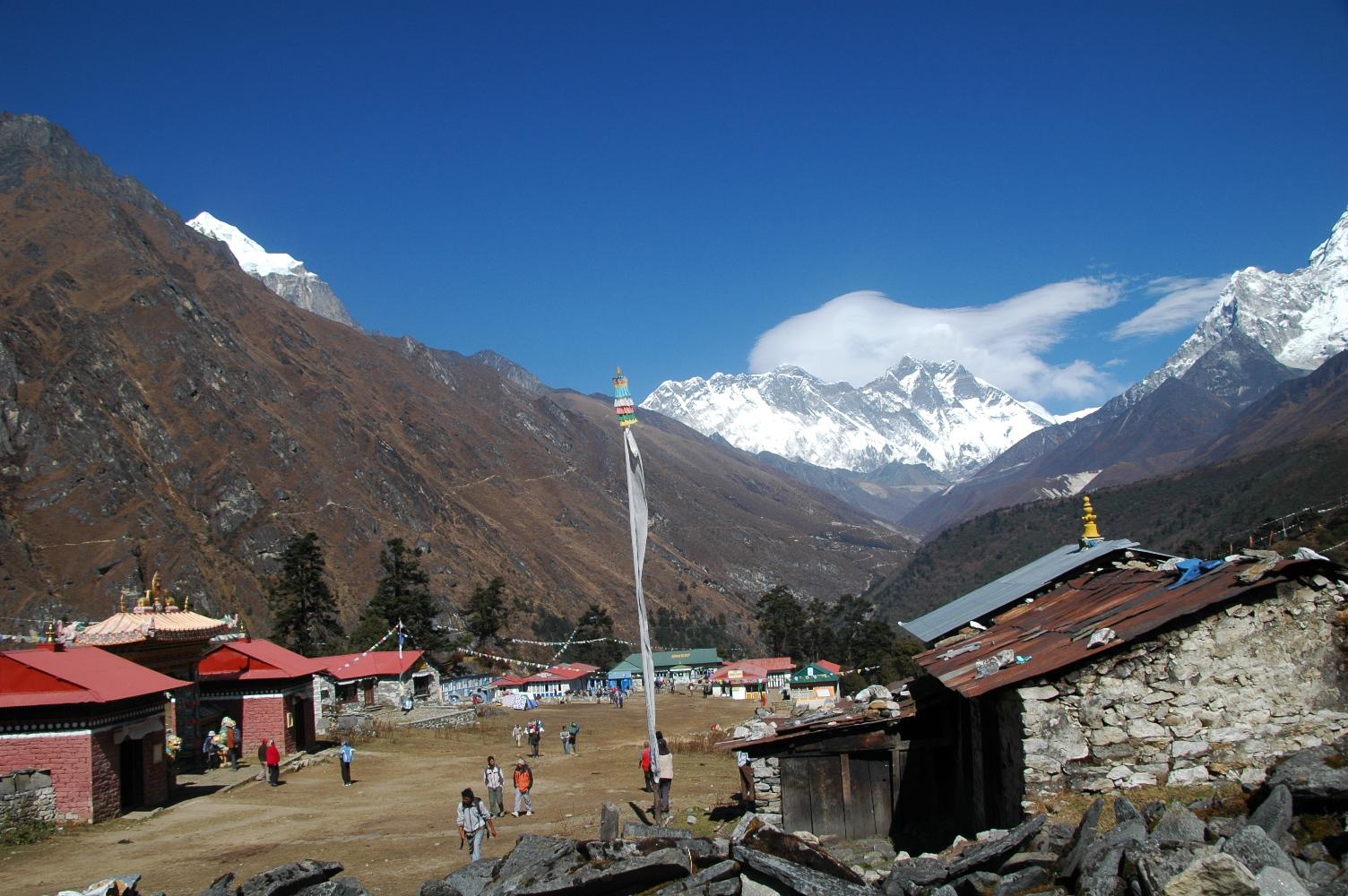 Tengboche village (3860 m)