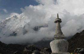 family-adventure-holiday-to-mount-everest